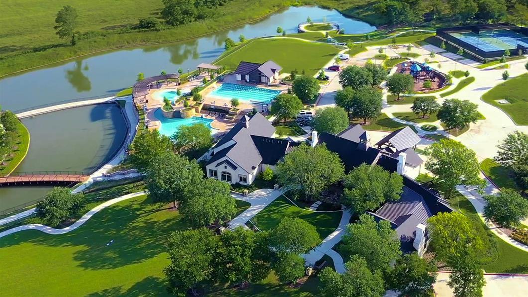 Mustang Lakes community image